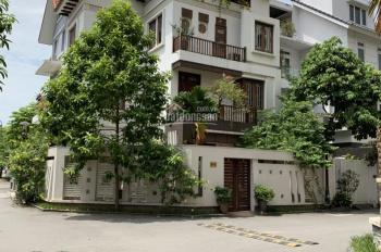 CC cho thuê biệt thự tại KĐT Ciputra - Tây Hồ, DT đất 250m2, XD 120m2 * 3T, full đồ. Giá 47 tr/th