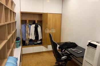 Cho thuê căn hộ chung cư 106 Hoàng Quốc Việt, DT 65m2, 2PN, 1VS đủ đồ. Giá 8tr/tháng