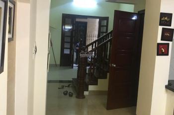 Cho thuê nhà riêng Nguyễn Thị Định, Cầu Giấy. DT 40m2, xd 4 tâng. Ngõ oto. Giá 12 tr. 0973644755