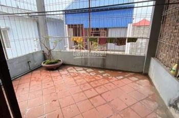 Cho thuê nhà riêng ngõ 41 Thái Hà, DT 60m2 x 4 tầng, mặt ngõ 3 gác qua lại, giá 10 tr/tháng