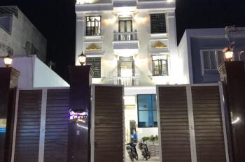 Cần bán gấp căn hộ mini 36 phòng mặt tiền đường 11 Trường Thọ,Thủ Đức, DT 8 X 40m, SHR,