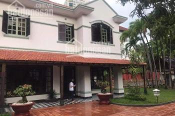 Cho thuê nhà mặt tiền Phan Đăng Lưu ngang 8m, sân vườn, giá 30 triệu/tháng