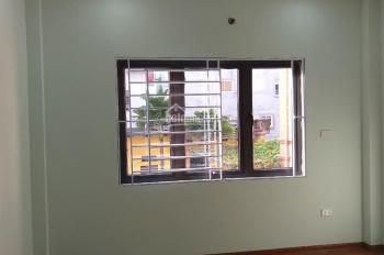 Chính chủ bán căn nhà gần chợ Vân Canh ô tô đỗ cửa, 4 tầng - 35m2, giá 2.5tỷ, liên hệ: 0974550338