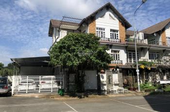 Nhà bán 2 mặt tiền ngay cạnh chợ Tân Biên, LH: 0909879486 để đi xem nhà