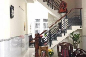 Cần cho thuê nhà riêng ký hợp đồng lâu dài, 4x15 đúc 1 lầu, giá 5tr/th. 0938384959
