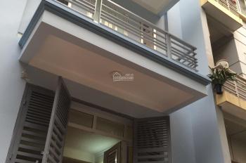 Tôi cho thuê nhà mặt đường Phan Kế Bính, nhà đẹp giá rẻ, ô tô đỗ cửa. Diện tích 40m2, 4 tầng