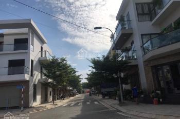 Nhà trung tâm Biên Hòa, gần Vincom, khu kinh doanh nhà mới xây, sổ hồng sang tên ngay