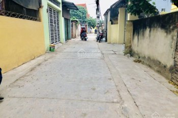 Vỡ nợ bán gấp 40m2 đất ở Ngô Xuân Quảng, Trâu Quỳ, Gia Lâm, HN đường 4m thông tứ phía giá hấp dẫn