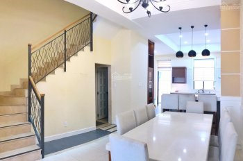 Cần cho thuê gấp nhà nguyên căn full nội thất view thoáng mát giá rẻ nhất 25tr/th. LH 0917810068