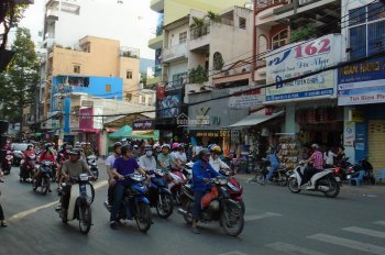 Cho thuê nhà MT Nguyễn Trãi, P3, Q5, phố thời trang sầm uất, 3.8x17m, 5 tầng - nhà đẹp 75 tr/th