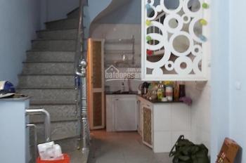 Cho thuê nhà hộ gia đình 18m2 x 4T tại Nguyễn Văn Trỗi, Hà Nội, chỉ 5.2tr/tháng. LH 0919427493