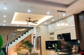 Nhà đẹp phố Hoàng Mai, kinh doanh tốt, ô tô đỗ cửa. DT: 46m2*4T giá chỉ 4 tỷ