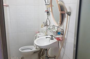 Bán nhà 1 trệt 1 lầu, 95m2 đất 4x24m, tặng hết nội thất, bên hông Suối Tiên, Tân Phú, Quận 9!