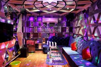 Cần sang nhượng lại karaoke Vip nhất Q3 giáp với Q1, DT: 8x25m, 5 tầng, 14 phòng luxury