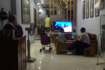 Cần bán nhà đường Bằng A, P. Hoàng Liệt, Hà Nội, DT 32m2*3,5 tầng giá 2,4 tỷ có TL, LH 0986928906