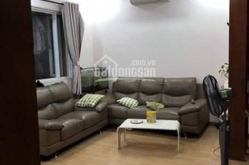 Cần cho thuê căn hộ Ngọc Khánh, Quận 5, 21 Nguyễn Biểu, ngay chân cầu Chữ Y, gần TT Quận 1
