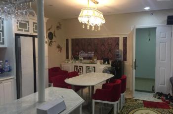 Cho thuê căn 2 phòng ngủ 73m2 đầy đủ nội thất giá chỉ 14tr/th The Botanica - LH: 077.2525.223