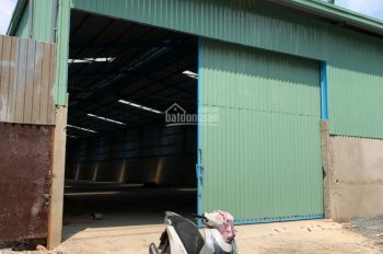 Cho thuê kho xưởng hơn 1.000 m2. Giá 50tr/th, Đường TX52
