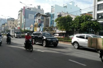 Bán tòa nhà đường Chu Văn An Q. Bình Thạnh DT: 20x25m giá 70 tỷ thu nhập 400 triệu/tháng