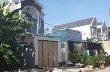 Bán nhà tại Bình Chánh, gần cầu Ông Thìn DTSD 120m2, giá chỉ TT 980tr/ căn