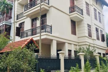Cho thuê nhà phố Kim Mã 110m2 x 5 tầng có thêm sân rộng 60m2 nhà kiểu biệt thự giá 55 triệu/tháng