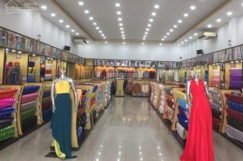 Cần thuê nhà MT Phạm Phú Thứ phường 11 khu chợ vải 9x18m 3 lầu vị trí đẹp cho KD tự do giá 45 triệu