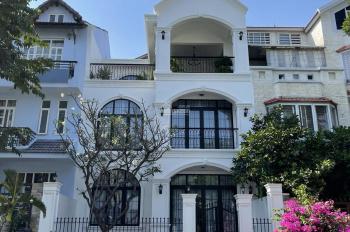 Chính chủ bán lỗ nhanh căn biệt thự Mỹ Phú 3 - Phú Mỹ Hưng nhà đẹp, đường lớn full nội thất Châu Âu