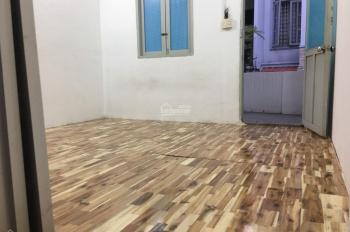 Cho thuê nhà sau lưng căn mặt tiền Dương Quảng Hàm, p5, Gò Vấp, DT 4x15m, 1 lầu. LH 0909.779.498