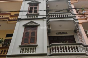 Chính chủ cho thuê nhà phân lô ngõ 215 Định Công Thượng, 80m2 x 4 tầng, ô tô tránh