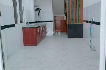 Bán nhà mới xây trệt + 3 lầu + sân thượng - hẻm 4m Nguyễn Hữu Cảnh - đối diện Landmark 81