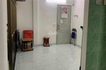Cho thuê căn hộ mini trung tâm Quận 10. Gồm phòng bếp, phòng ngủ, phòng khách, giá thuê rẻ