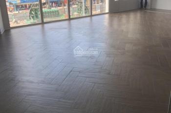 Cho thuê nhà mặt phố Minh Khai: Diện tích 110m2 x 5T, mặt tiền 10m, thông sàn, thang máy, nhà mới