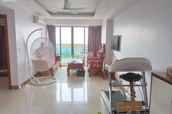 Gia đình bán căn hộ 2PN chung cư VP2 view thành phố và hồ Linh Đàm, nội thất đẹp. LH 0934.637.639