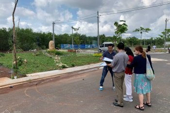 Chính chủ cần bán gấp lô đất cách QL 51 50m đối diện cổng 2 sân bay Long Thành