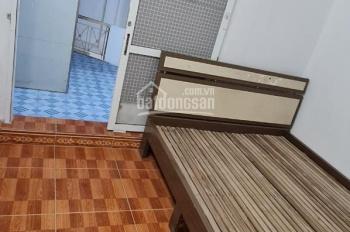 Cho thuê nhà khu Chính Kinh S=30m2 x 3 tầng, 2 pn, ĐH, NL, giường tủ. Giá thuê 6,5tr/tháng