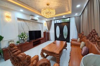 Cần cho thuê biệt thự song lập Lucasta, diện tích 340m2 sử dụng, giá cho thuê 40 triệu/tháng