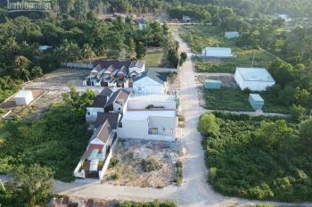 Đất sẵn thổ cư, gần trung tâm, sổ hồng riêng, diện tích 112m2 giá 1,7 tỷ. LH: 094.2222.537