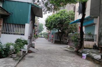 Bán nhà đất tặng nhà, 2 mặt tiền, ngõ rộng 5m, cạnh chợ Thanh Bình