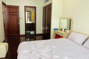 Cần bán CHCC 2 ngủ ở Vincom Bà Triệu: 135m2, giá 85tr/m2. Full nội thất cao cấp