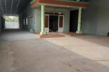 Cho thuê nhà vườn Củ Chi tổng 900m2, có nhà cấp 4 mới xây dựng + máy che (300m)