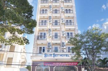 Chính chủ cho thuê khách sạn mới xây, 7 lầu, 35 phòng đầy đủ tiện nghi, mặt tiền đường