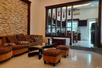 Villa 2 mặt tiền thoáng P. Thảo Điền, đường rộng rãi, có gara để xe hơi, gần trường học Quốc tế