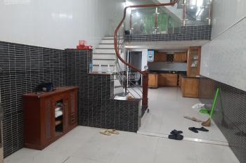Cho thuê nhà 3T x 55m2 gần ngã ba Trần Khát Chân, 3Pn, full đồ, ô tô cách 10m. Giá 12.5tr/th