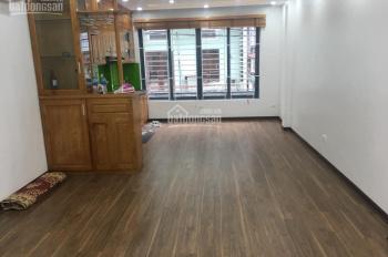 Cho thuê nhà mới xây Lê Thanh Nghị 45 m2 x 5 tầng thông sàn ô tô đỗ cửa 18 triệu/tháng
