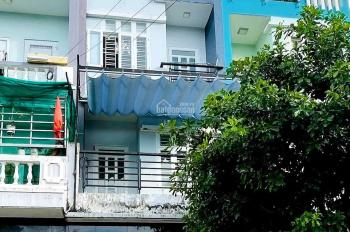Cho thuê nhà đường 447 Lê Văn Việt, Tăng Nhơn Phú A, 1T2L, sân thượng, 4PN, 3WC LH 0944979686