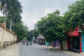 Bán đất xây dựng 7 tầng phường Thảo Điền: DT 360m2 giá 160 tr/m2 - LH: 0932777828