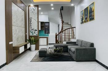 Bán 1 căn đơn lập khu phân lô nhà Vũ Tông Phan DT 30m2*5T,cách đường ô tô 1 nhà,dân trí cao,nhà mới