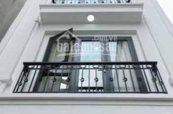 Cần cho thuê nhà Nguyễn Lương Bằng, DT 65m2 x 5 tầng, ngõ rộng ô tô để trong nhà, giá 14tr/th