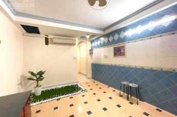 Bán nhà chính chủ đường Lạc Long Quân, rất đẹp, kinh doanh, cho thuê