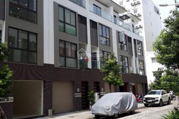 Nhà cho thuê nguyên căn hẻm 702/2C Sư Vạn Hạnh. LH: 0.0906918996 A Linh, 0.0944055353 A Bắc